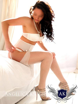 Angelica-Knight-Brunette-Escorts