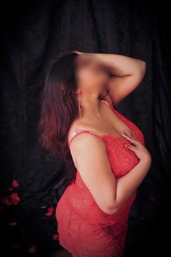 Dhiksha-Busty-Escorts
