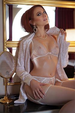 Chloe-Boulez-Busty-Escorts