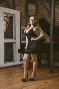 Amanda-Busty-Escorts