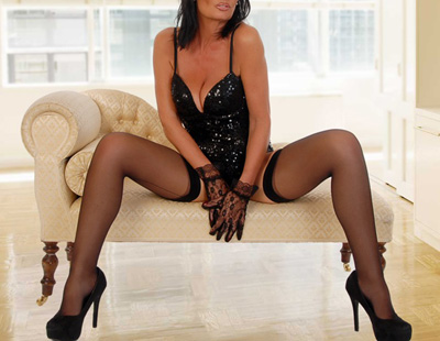 Caroline-French-Mature-Escorts