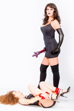 Domina-&-Slave-Girls-Duo-Escorts