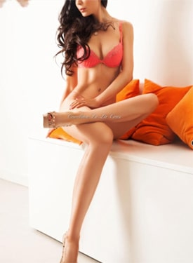 Carolina-DeLa-Cruz-High-Class-Escorts