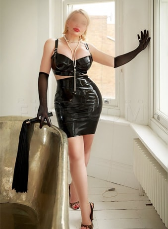 Marilyn - Busty Independent Escorts