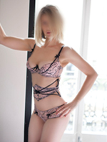 Famke-Fonteyn-Blonde-Escorts