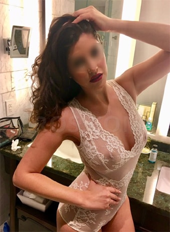 Martina - Busty Escorts