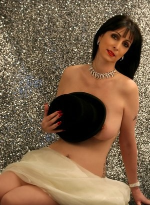 Liz Hilton - High Class Independent Escorts
