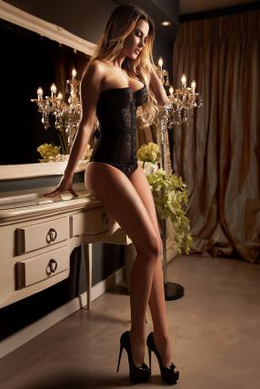 Roselle Exclusive Escorts Green