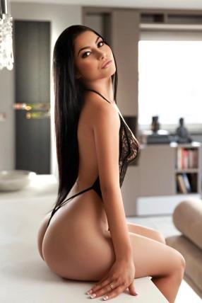 Amour Exclusive escorts Brown