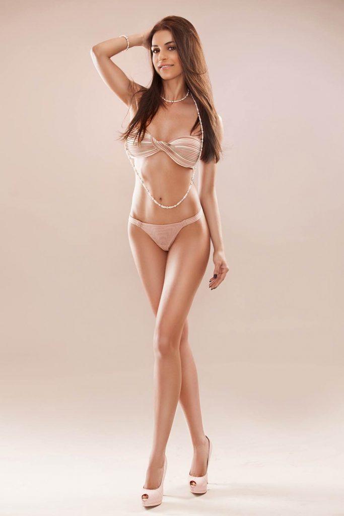 Nicole London Valentines Brunette